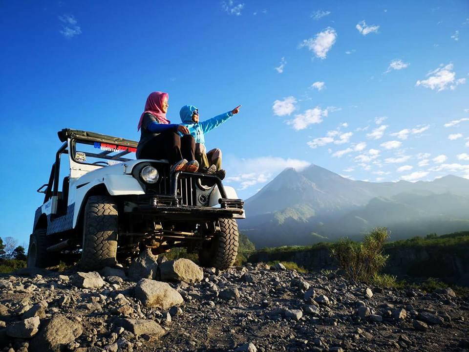 Jeep Merapi Lava Tour & Borobudur Temple