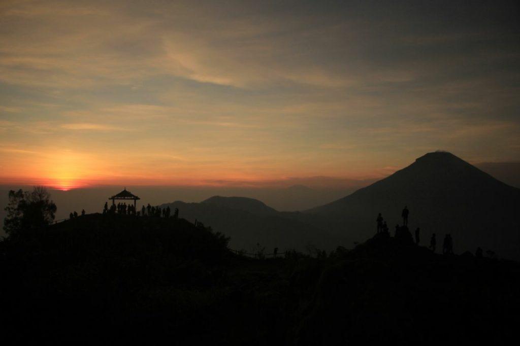 Sunrise From Setumbu Hill Sunrise  and Borobudur Morning