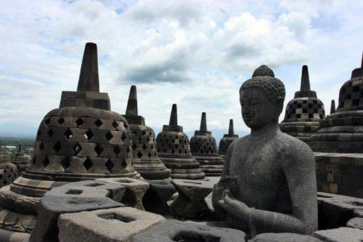 BOROBUDUR MORNING